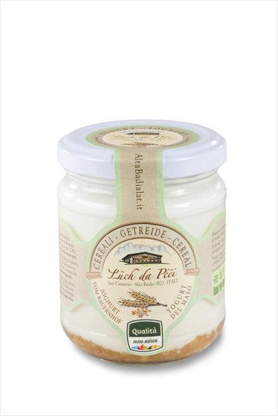 Joghurt mit Müsli Alta Badia
